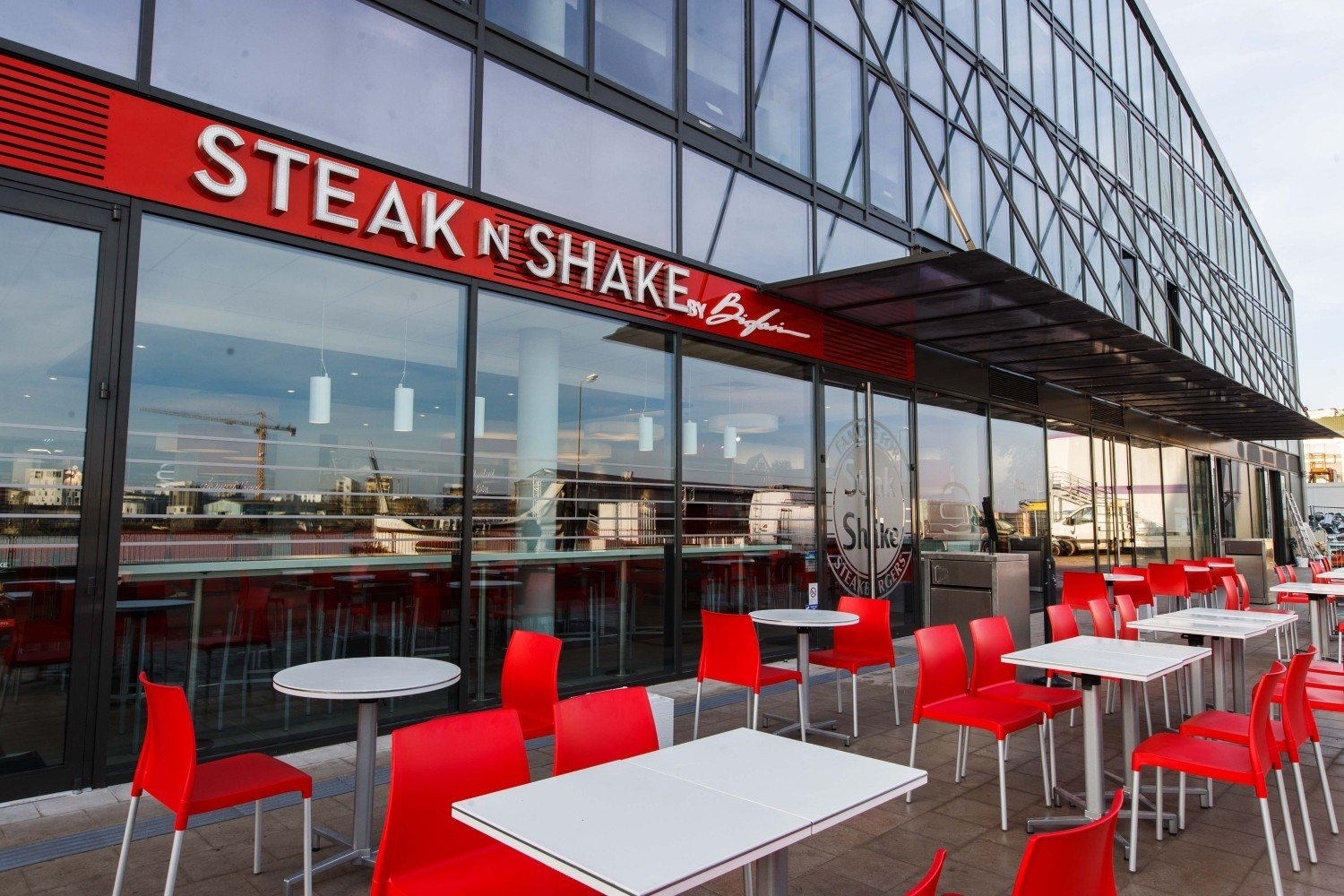 steak u2019n shake lyon confluence   manager en restauration